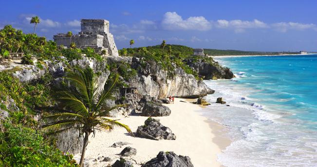BX42JE Mexico Central America Quintana Roo Maya Riviera Tulum El Castillo Maya culture beach seashore sea